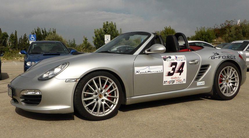 Main photo of Gennady Croc's 2010 Porsche Boxster S