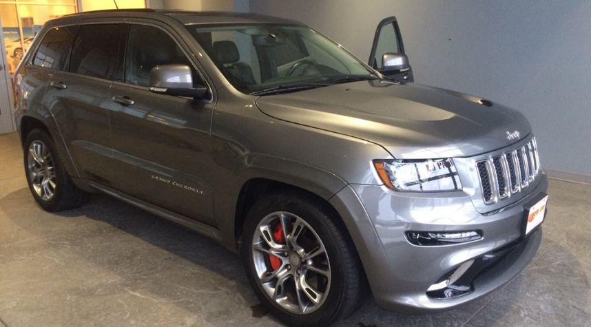 Main photo of Justin Carr's 2012 Jeep Grand Cherokee