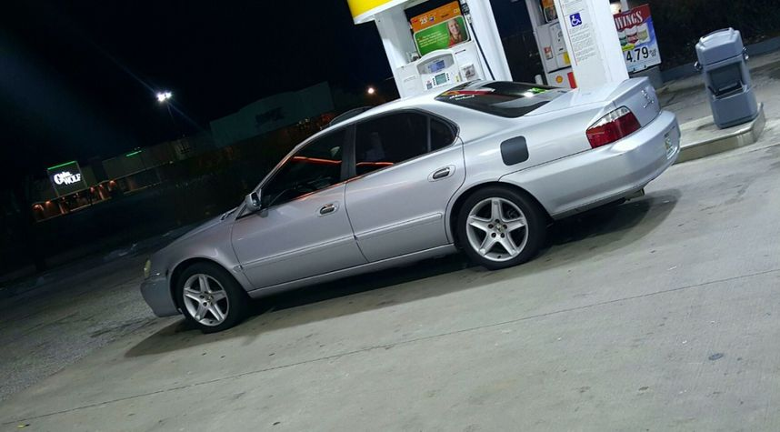 Main photo of Christopher Cordero's 2002 Acura TL