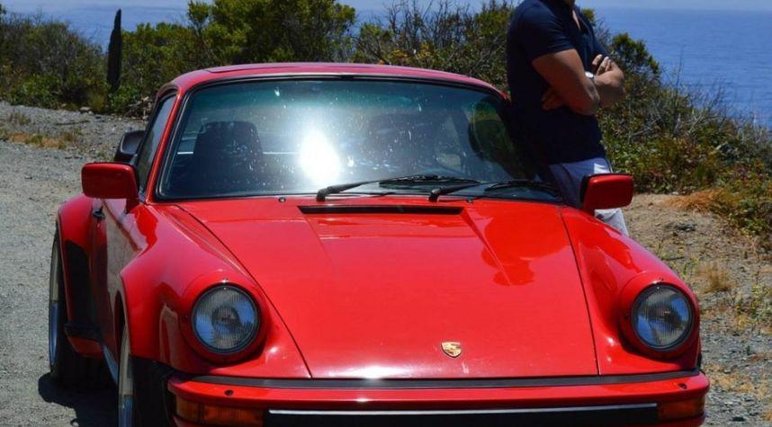 Main photo of Derek Sugiono's 1986 Porsche 911