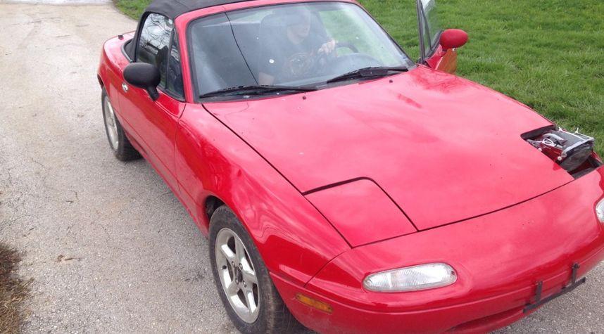 Main photo of Chris Huy's 1993 Mazda MX-5 Miata