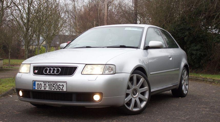 Main photo of Rory Farrell's 2000 Audi S3