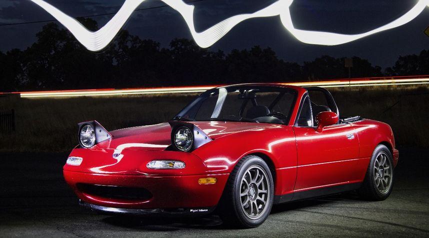 Main photo of William Honeywell's 1995 Mazda MX-5 Miata
