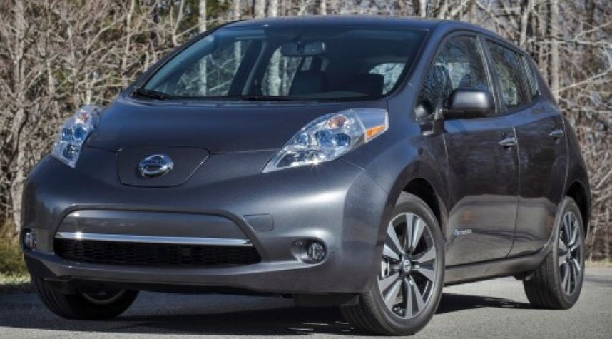Main photo of Taylor Yurkiewitz's 2013 Nissan Leaf