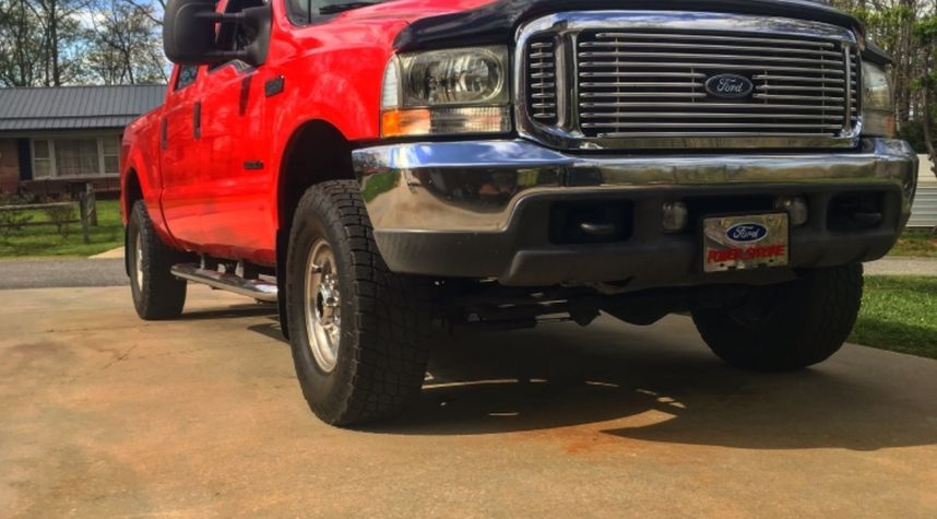 Main photo of Tyler Call's 2001 Ford F-250 Super Duty