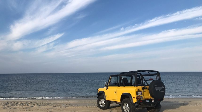 Main photo of Doug DeMuro's 1997 Land Rover Defender