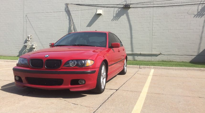 Main photo of Chris Andersen's 2003 BMW 3 Series