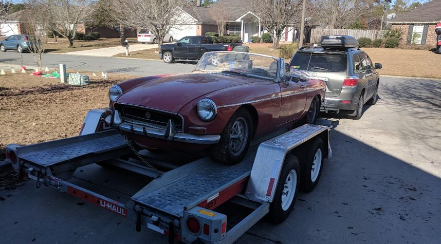 Main photo of Mike Mcconnell's 1972 MG MGB