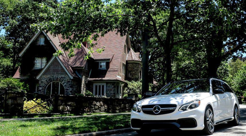 Main photo of Mark Jawdoszyn @mr.jawdoszyn's 2016 Mercedes-Benz E-Class