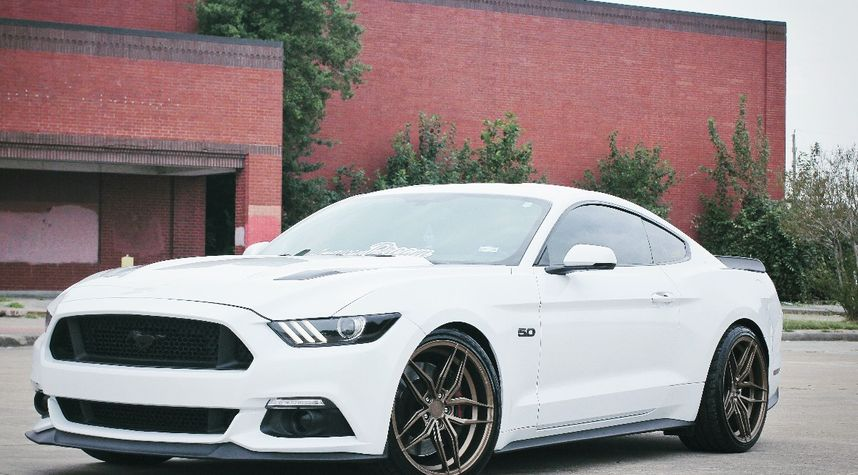 Main photo of Peter Nget's 2016 Ford Mustang