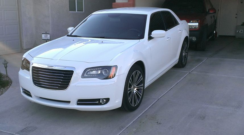 Main photo of Troy Bacon's 2013 Chrysler 300