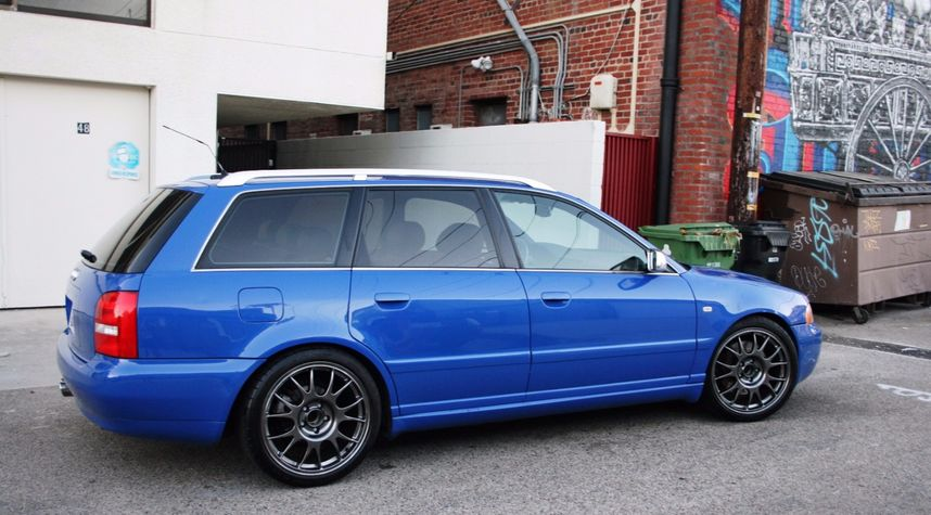 Main photo of Gabriel Anderson's 2001 Audi S4