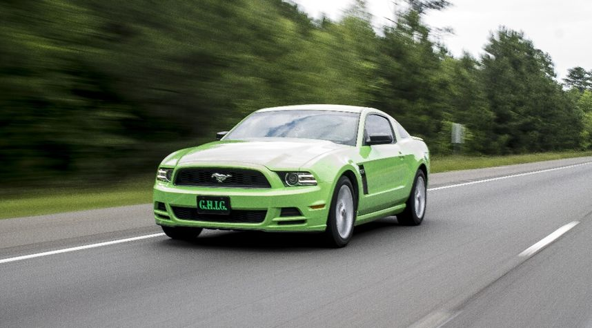 Main photo of Andrew Jackson's 2013 Ford Mustang