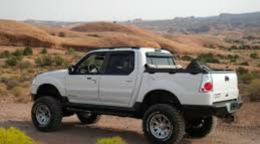 Main photo of Chris Waidelich's 2003 Ford Explorer Sport Trac