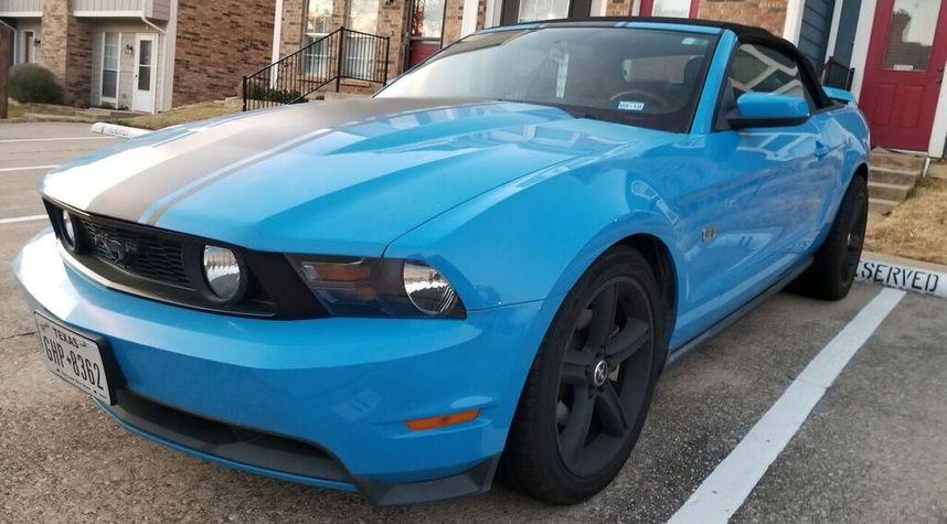 Main photo of John Alvarado's 2010 Ford Mustang