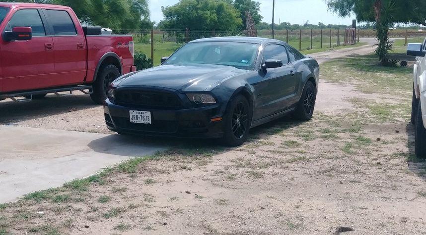 Main photo of Isaiah Martinez's 2013 Ford Mustang