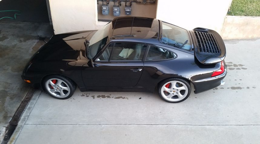 Main photo of Harmick Taroian's 1997 Porsche 911