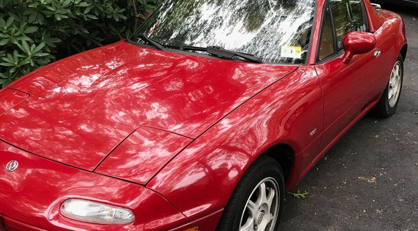 Main photo of Gary Flugel's 1996 Mazda Miata