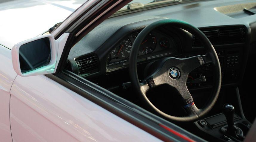 Main photo of BatteryTender Unnecessary's 1988 BMW M3