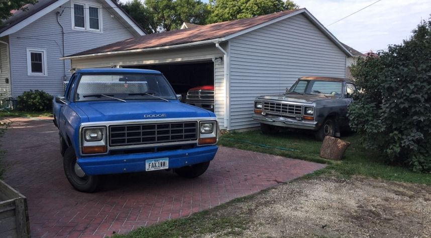 Main photo of Zach Will's 1981 Dodge D150
