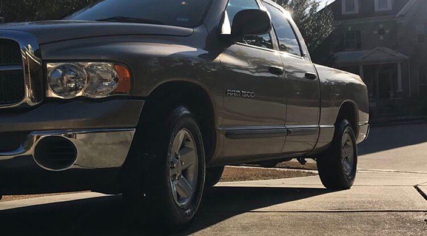 Main photo of Brady Stults's 2002 Dodge Ram Pickup 1500