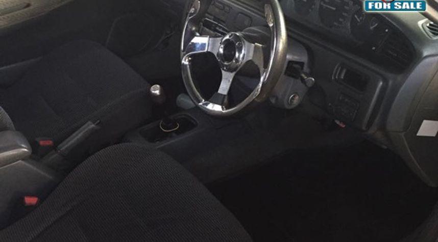 Main photo of Jeffawni Ballantyne's 1994 Honda Civic