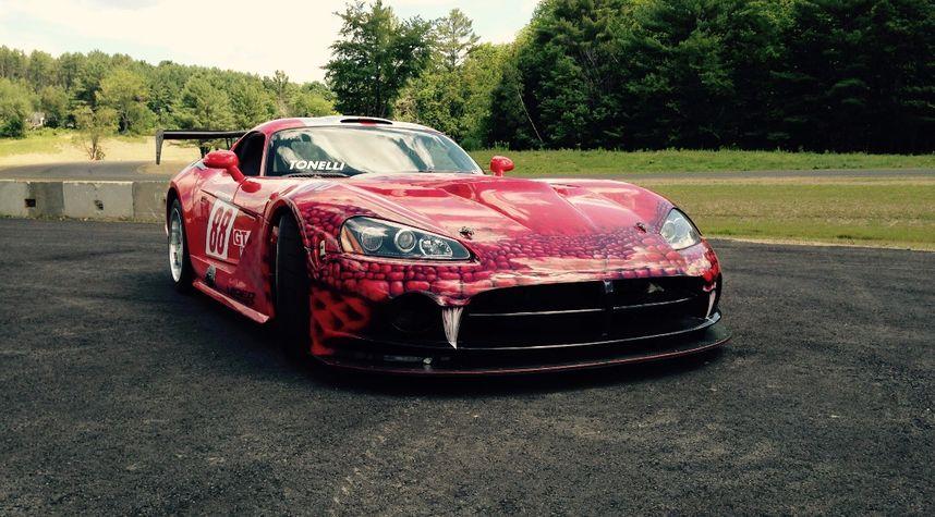 Main photo of Peter Arthur's 2008 Dodge Viper
