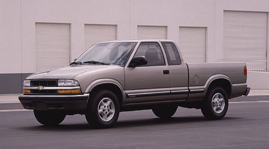 Main photo of Braeden Boyd's 2000 Chevrolet S-10