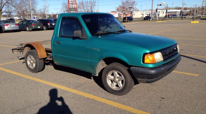 Main photo of Maxime Rousseau's 1994 Ford Ranger