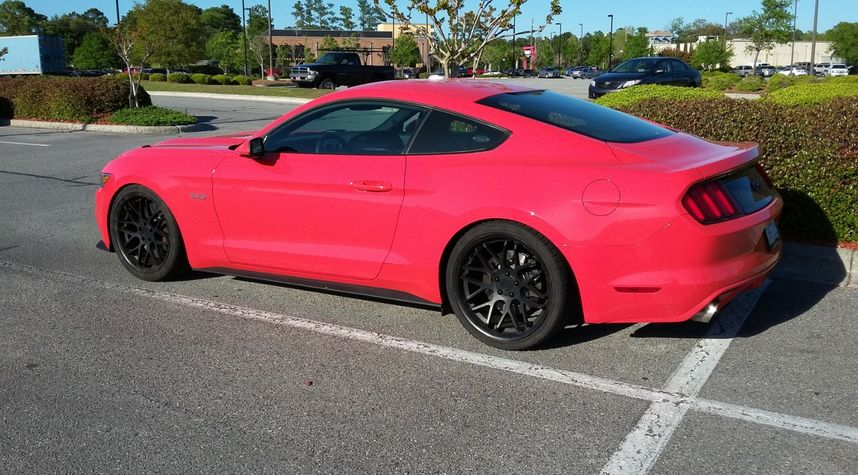 Main photo of Jon Brown's 2015 Ford Mustang