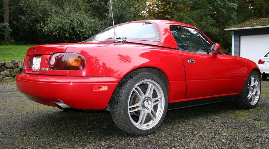 Main photo of A H's 1993 Mazda MX-5 Miata