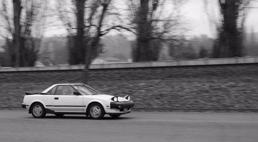 Main photo of Calvin Burkhead's 1985 Toyota MR2