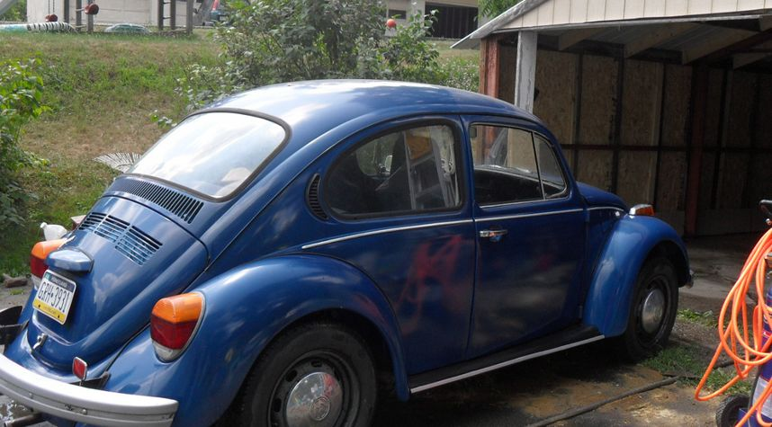 Main photo of Phil Daly's 1973 Volkswagen Beetle (Pre-1980)