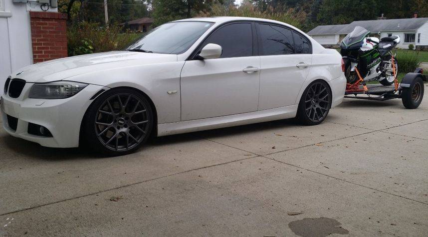 Main photo of Ian Duffy's 2011 BMW 3 Series