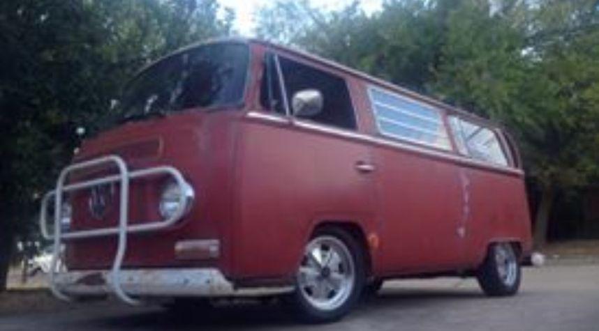 Main photo of Jason Kirk's 1969 Volkswagen Microbus