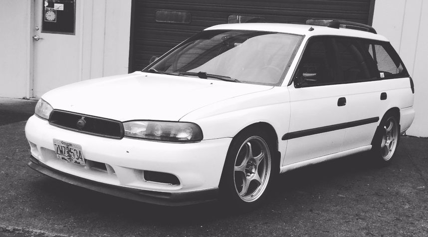 Main photo of Drew Smith's 1998 Subaru Legacy