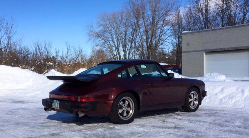 Main photo of Cameron VanDerHorst's 1984 Porsche 911