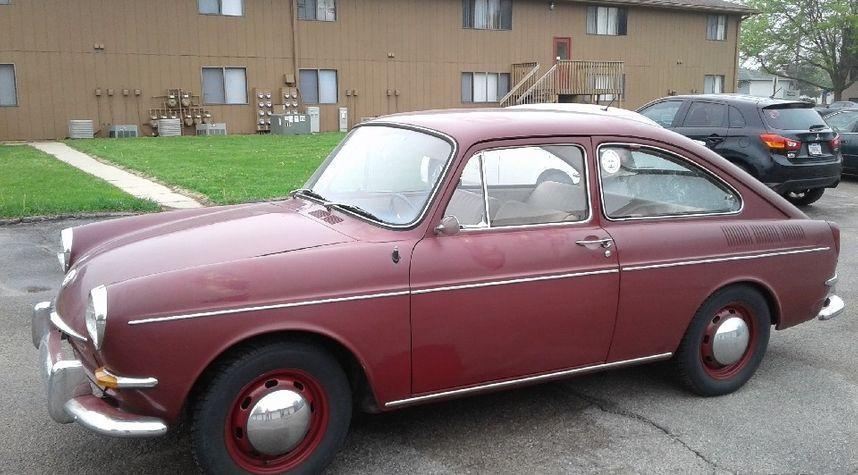 Main photo of Rus Hunt's 1967 Volkswagen Type 3