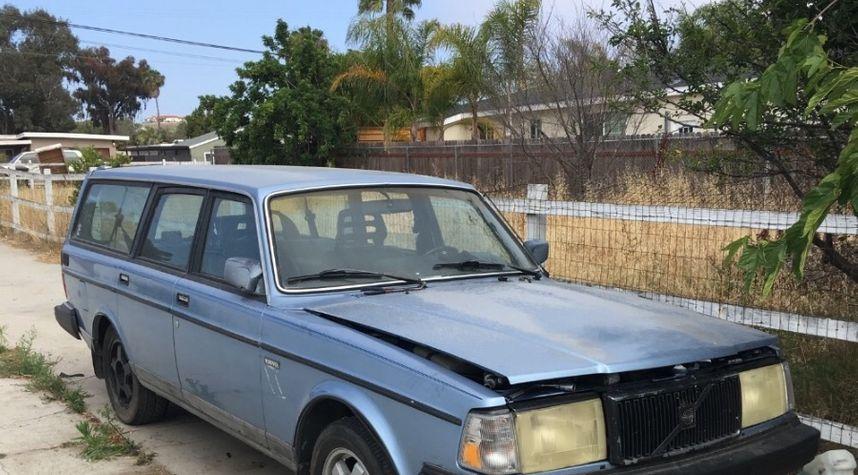 Main photo of Jordan Morrison's 1987 Volvo 240