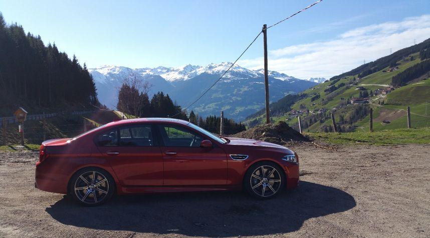Main photo of Fahad Abbas's 2015 BMW M5