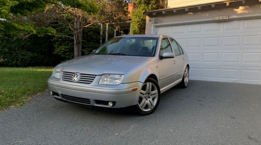 Main photo of Evan Brady's 2003 Volkswagen Jetta