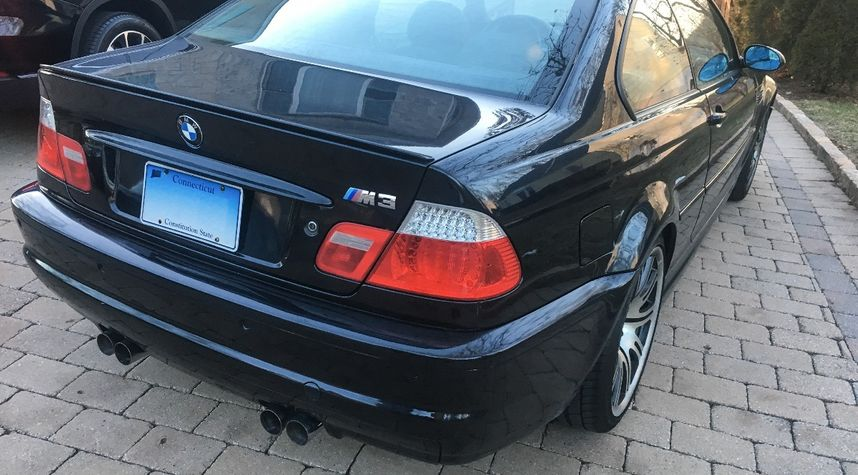 Main photo of Griffin Gee's 2003 BMW M3