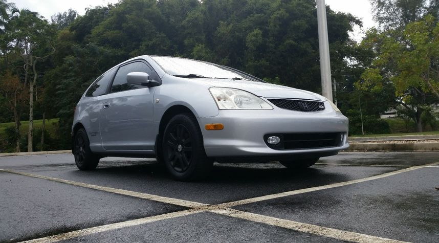 Main photo of Juan Clemente's 2002 Honda Civic