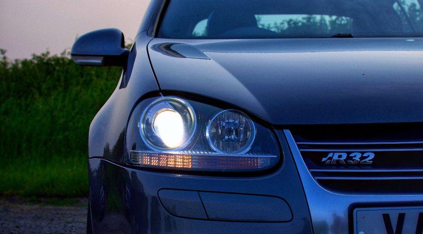 Main photo of Jon Hatton's 2008 Volkswagen R32