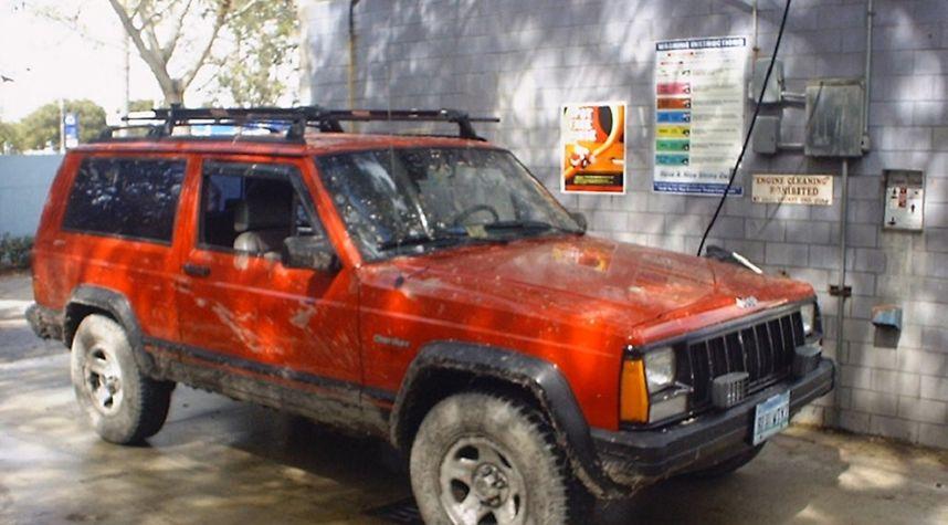 Main photo of Kerry Martin's 1993 Jeep Cherokee