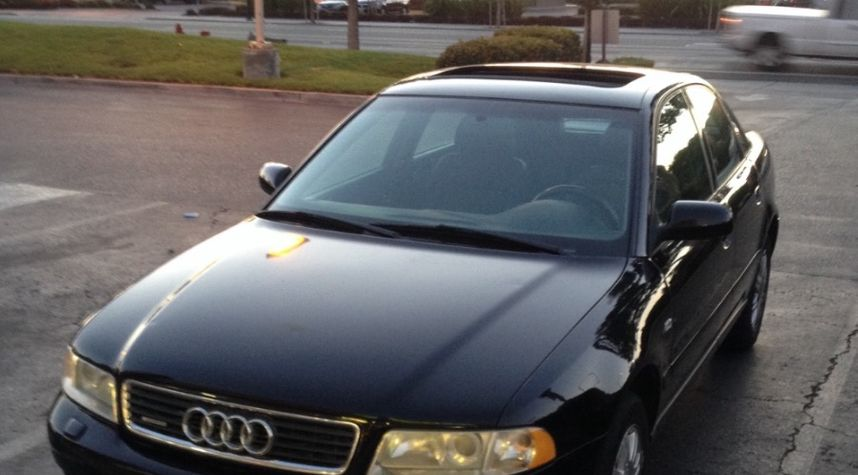 Main photo of Andres Garcia's 1999 Audi A4