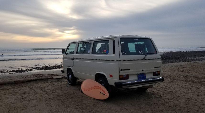 Main photo of Sean Leech's 1985 Volkswagen Vanagon
