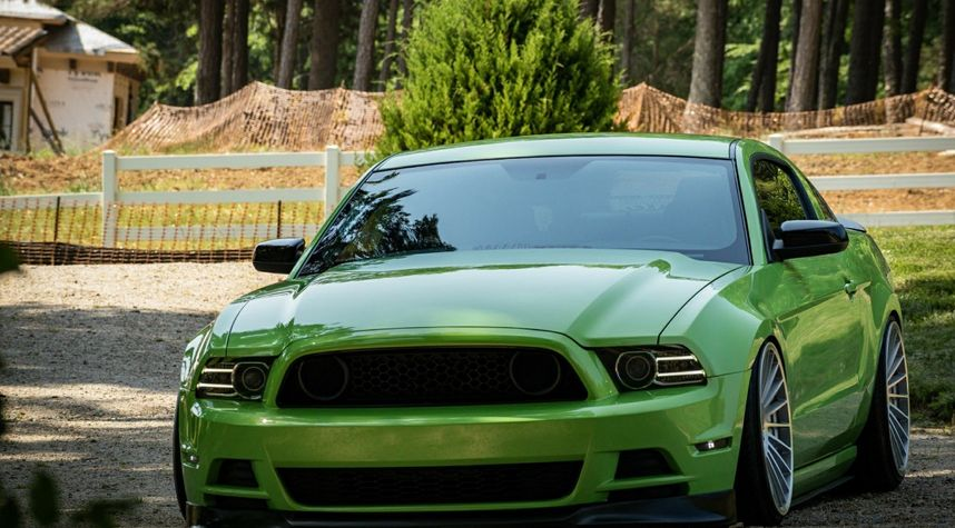 Main photo of Andrew Allmond's 2013 Ford Mustang