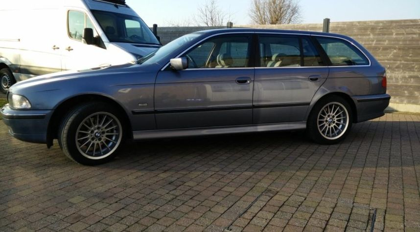 Main photo of Kevin Wouters's 2000 BMW 5 Series