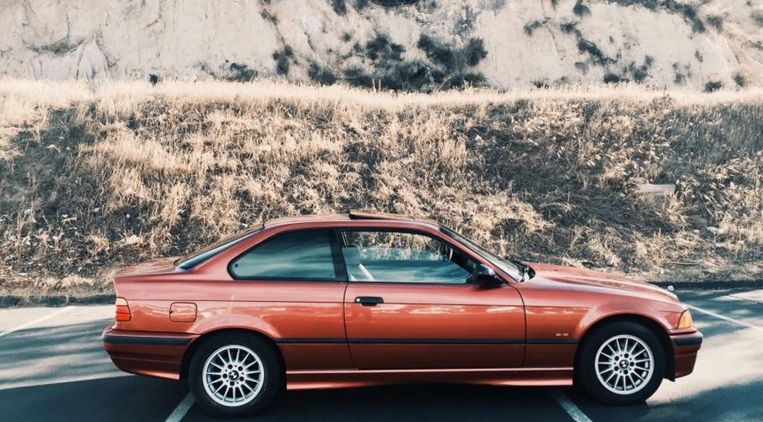 Main photo of Broneel Yadegar's 1998 BMW 3_Series